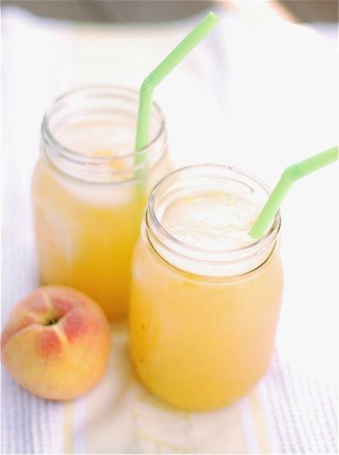 Limonade met geroosterde perzik