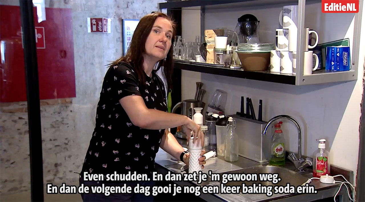 Editie NL vieze waterflesjes